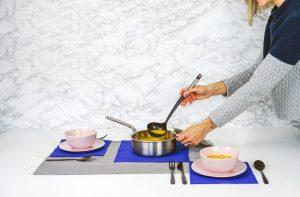 Jak bezpiecznie gotować na parze?